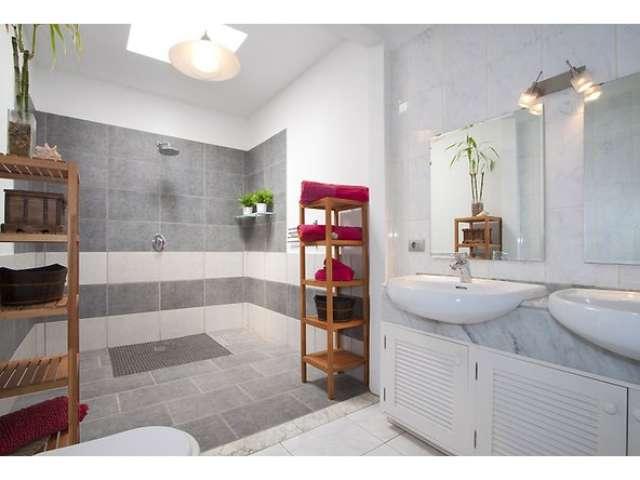 Bathroom - Villa Las Palmitas, Puerto del Carmen, Lanzarote